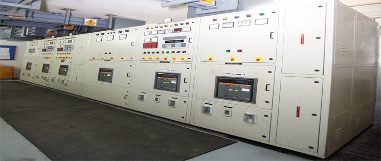Electrical Panels With Electrical Rubber Mats